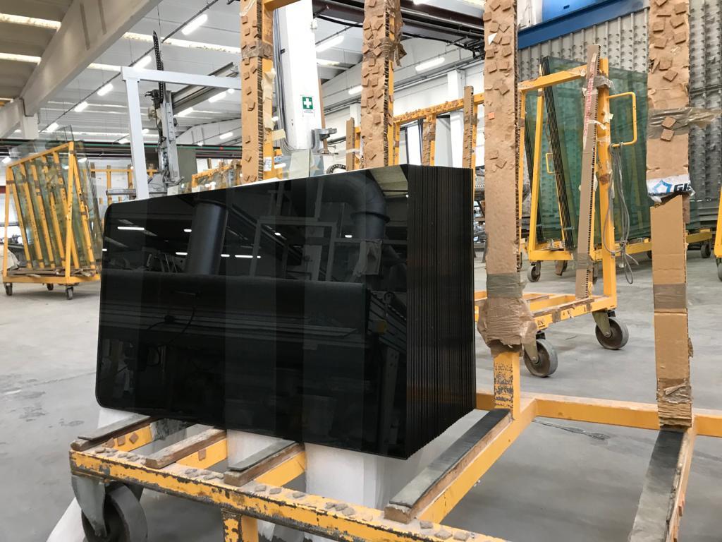 produzione di vetro per ospedali